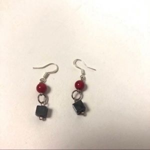 🔥red and silver square bead circle earrings